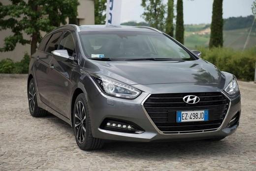 Hyundai i40 Wagon prova su strada, prestazioni e prezzi