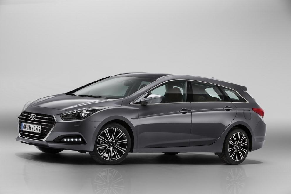 Hyundai i40 Wagon prova su strada, prestazioni e prezzi - Foto 4 di 6