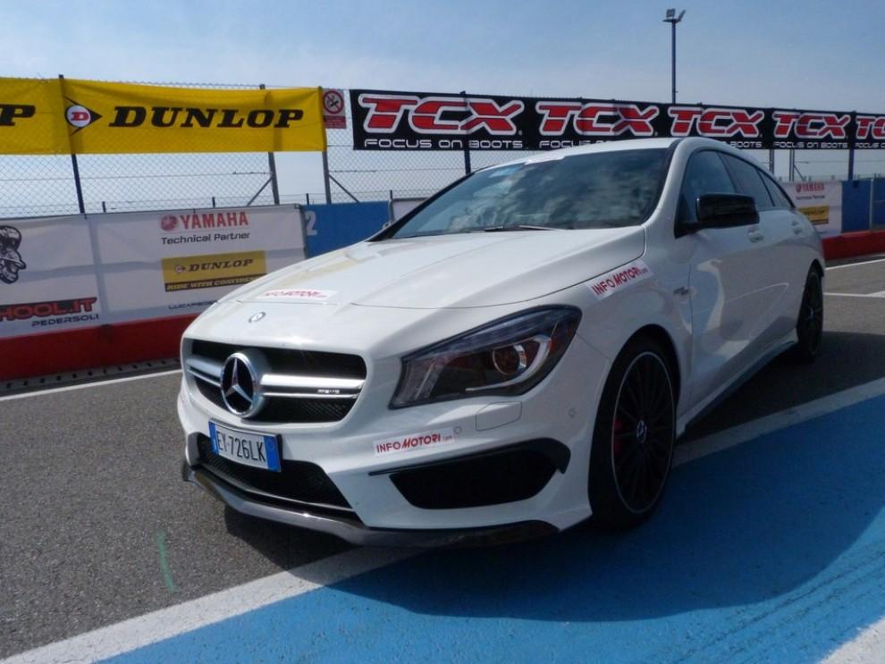 Mercedes CLA Shooting Brake 45 AMG la prova in pista - Foto 16 di 43