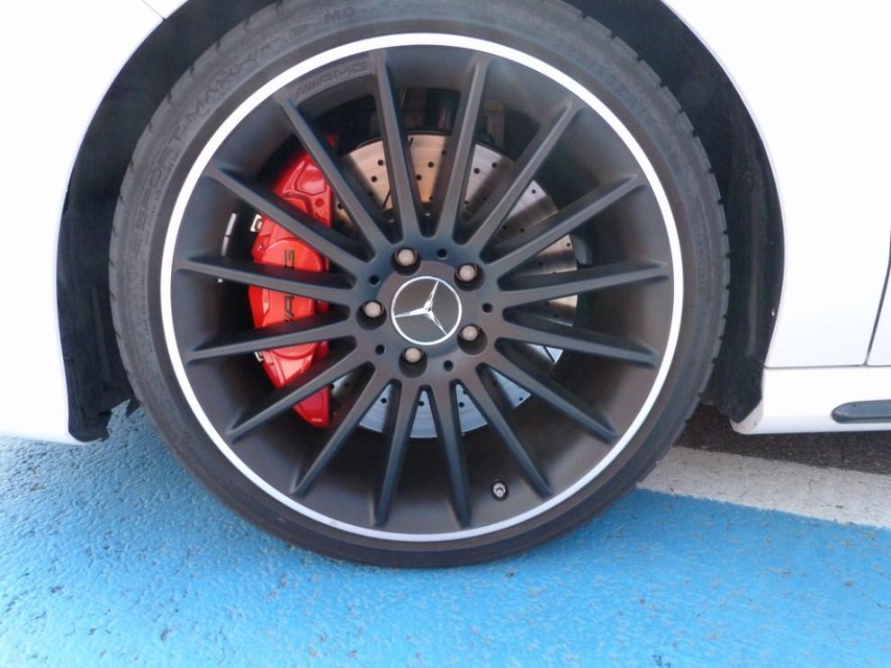 Mercedes CLA Shooting Brake 45 AMG la prova in pista - Foto 24 di 43