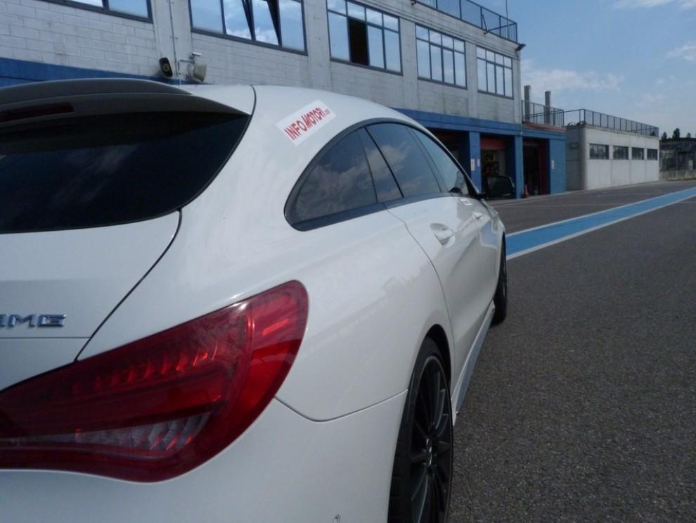 Mercedes CLA Shooting Brake 45 AMG la prova in pista - Foto 41 di 43