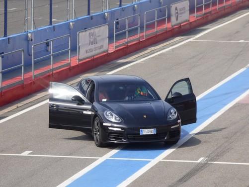 Porsche Panamera 3.0 Diesel provata in pista