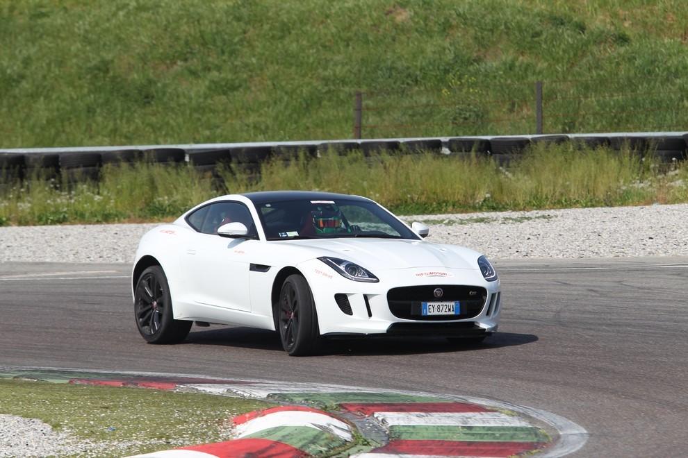 Jaguar F-Type S AWD provata in pista - Foto 11 di 58