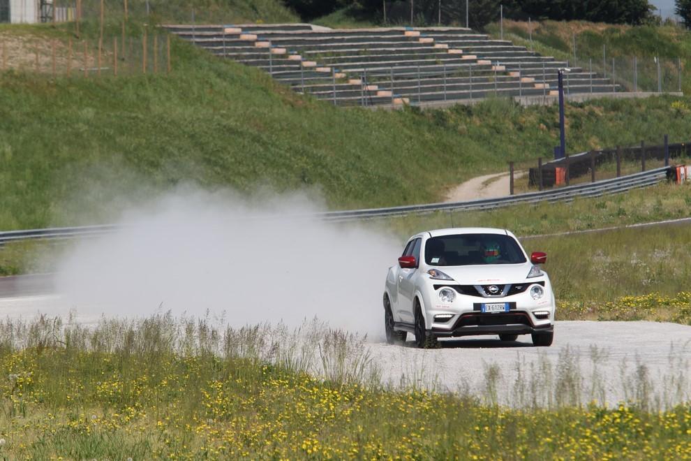 Nissan Juke Nismo RS prova su pista - Foto 9 di 59