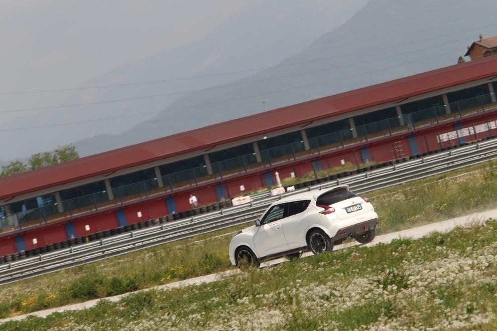 Nissan Juke Nismo RS prova su pista - Foto 14 di 59