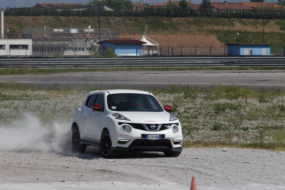 Nissan Juke Nismo RS prova su pista - Foto 17 di 59