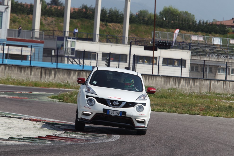 Nissan Juke Nismo RS prova su pista - Foto 19 di 59