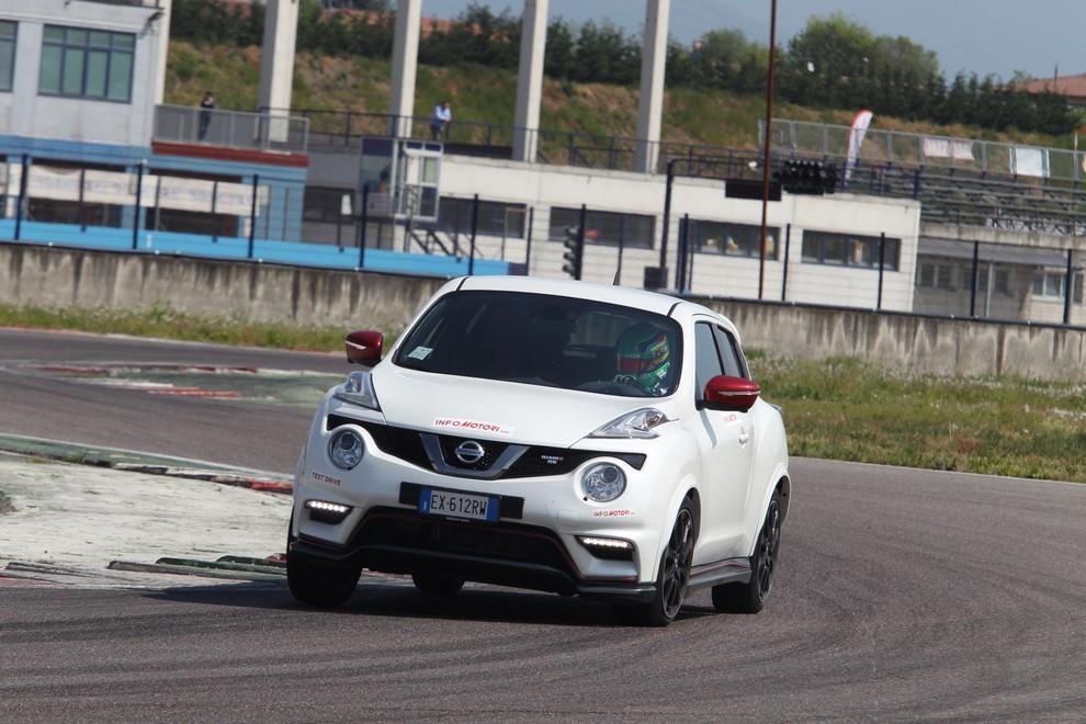 Nissan Juke Nismo RS prova su pista - Foto 1 di 59
