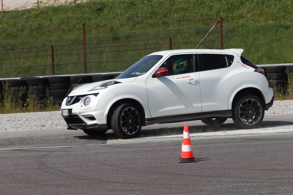 Nissan Juke Nismo RS prova su pista - Foto 8 di 59