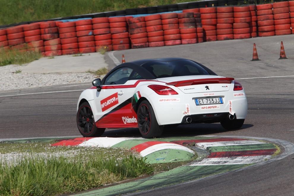 Peugeot RCZ-R Bimota, la one-off scende in pista con Infomotori - Foto 10 di 26