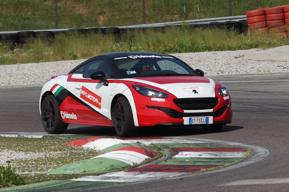 Peugeot RCZ-R Bimota, la one-off scende in pista con Infomotori - Foto 11 di 26
