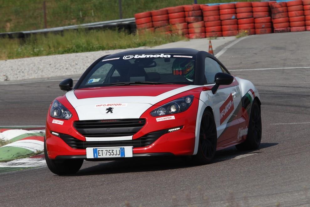 Peugeot RCZ-R Bimota, la one-off scende in pista con Infomotori - Foto 13 di 26