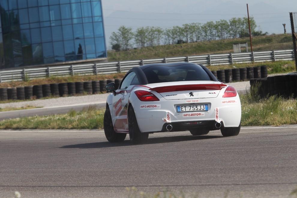 Peugeot RCZ-R Bimota, la one-off scende in pista con Infomotori - Foto 9 di 26