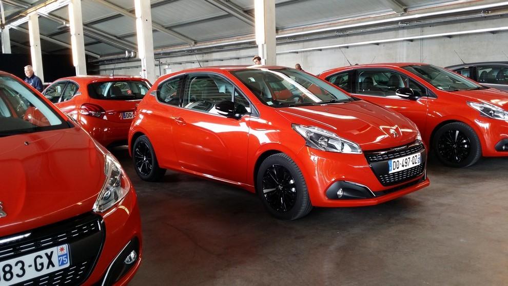 Nuova Peugeot 208 prova su strada, prestazioni e prezzi - Foto 6 di 23