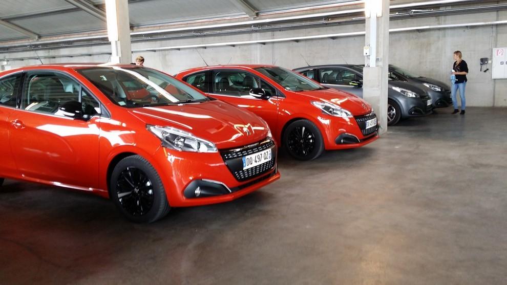 Nuova Peugeot 208 prova su strada, prestazioni e prezzi - Foto 7 di 23