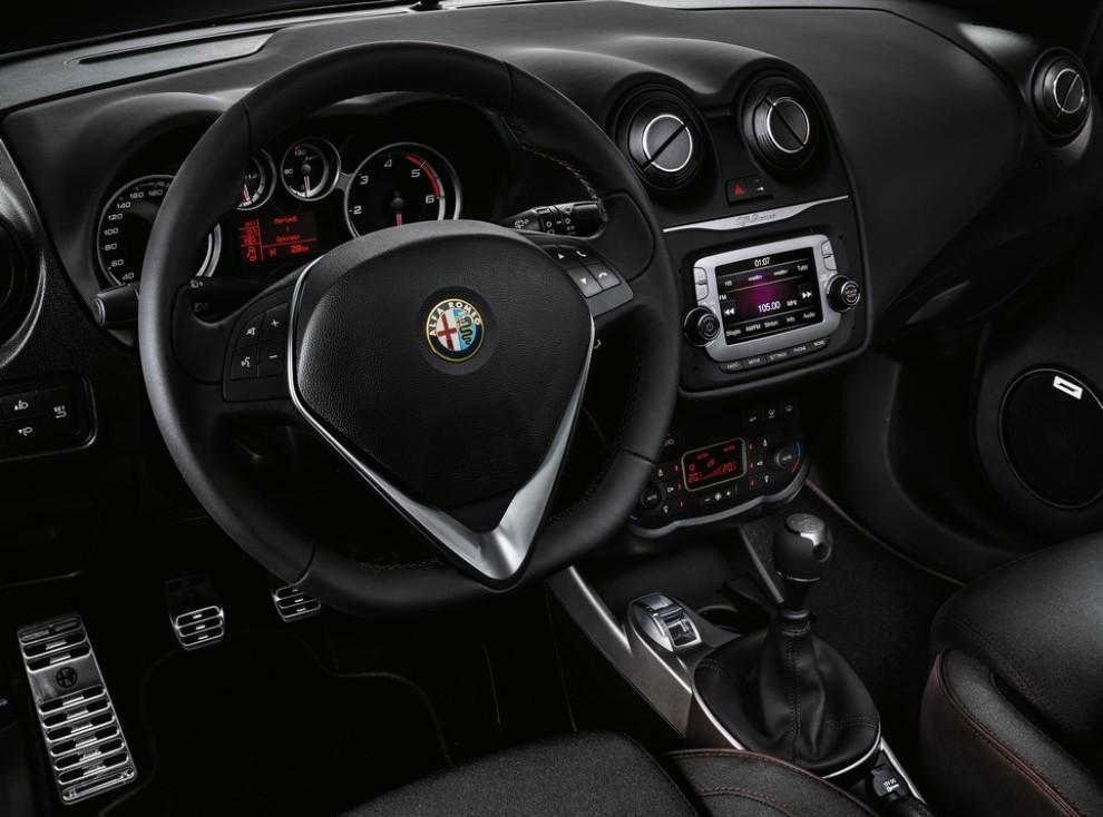 Alfa Romeo Mito Racer arriva in Italia da 18.700 euro - Foto 3 di 8