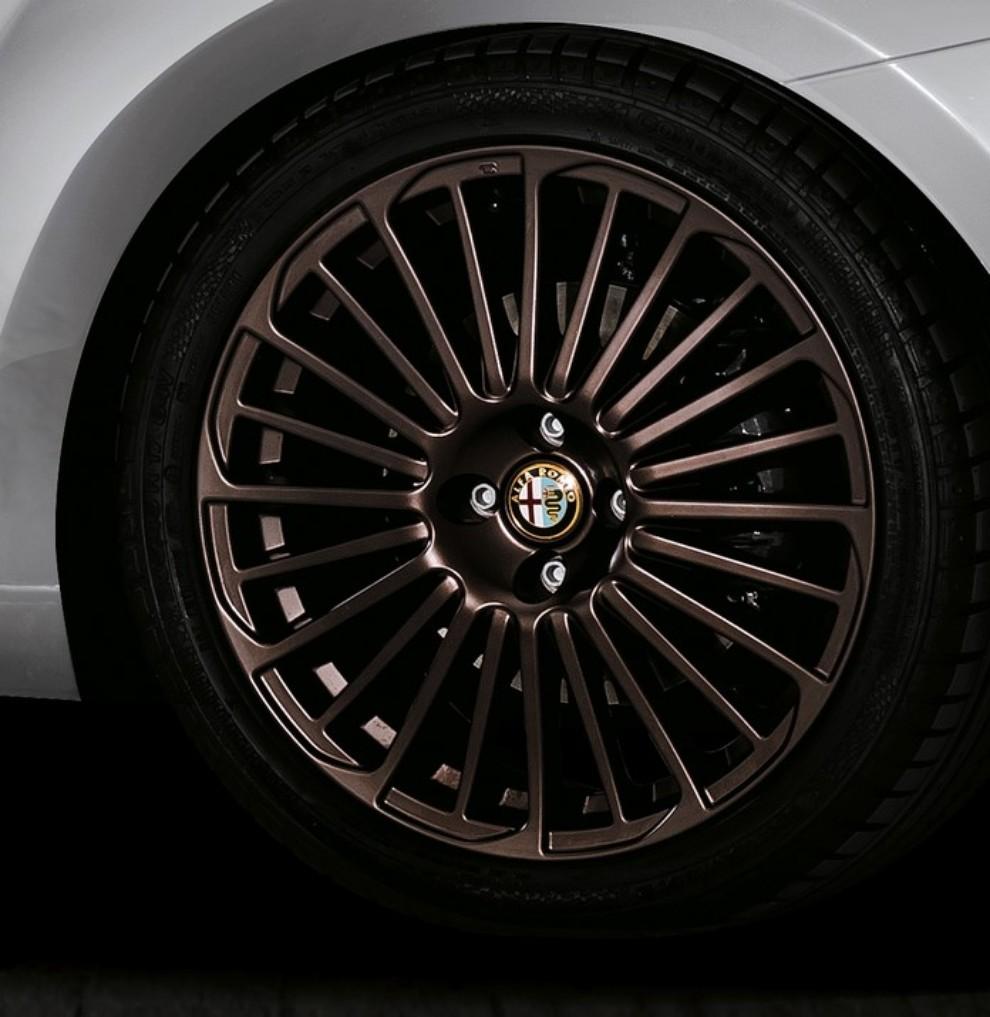 Alfa Romeo Mito Racer arriva in Italia da 18.700 euro - Foto 8 di 8