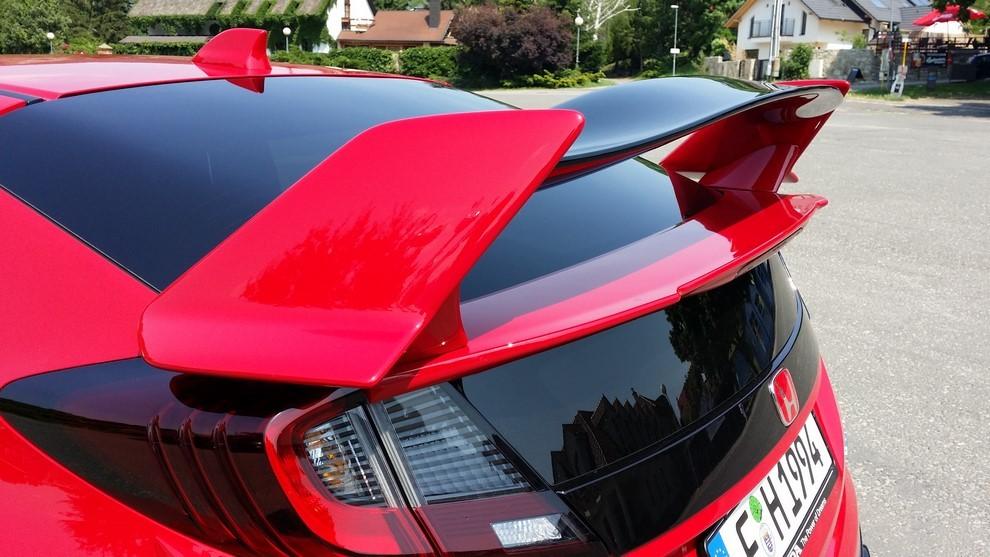 Honda Civic Type R prova su pista e prestazioni - Foto 15 di 26