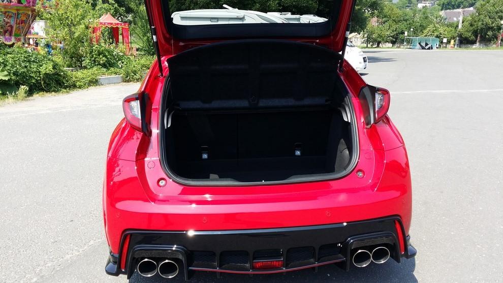 Honda Civic Type R prova su pista e prestazioni - Foto 16 di 26