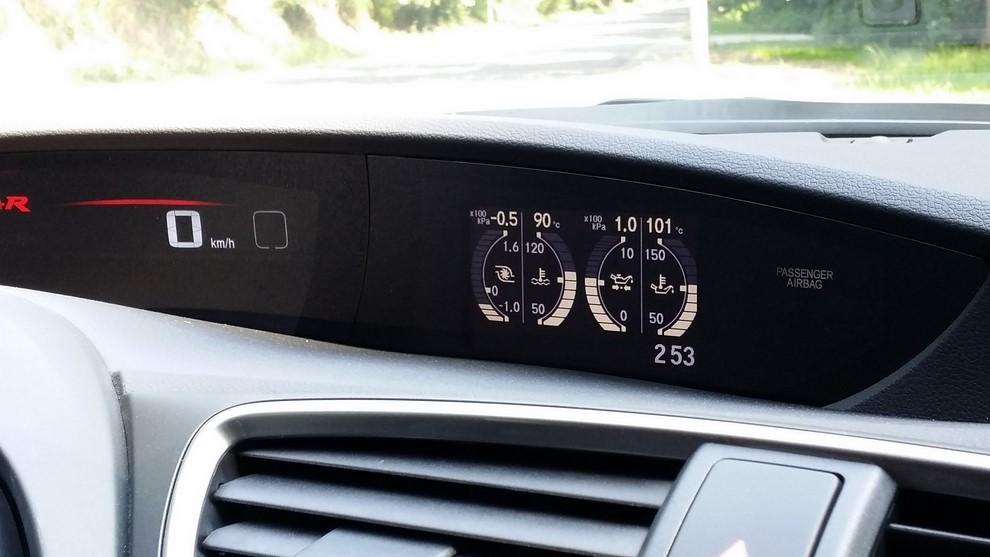 Honda Civic Type R prova su pista e prestazioni - Foto 18 di 26