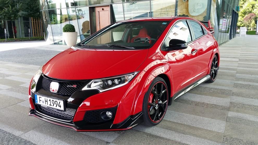 Honda Civic Type R prova su pista e prestazioni - Foto 20 di 26