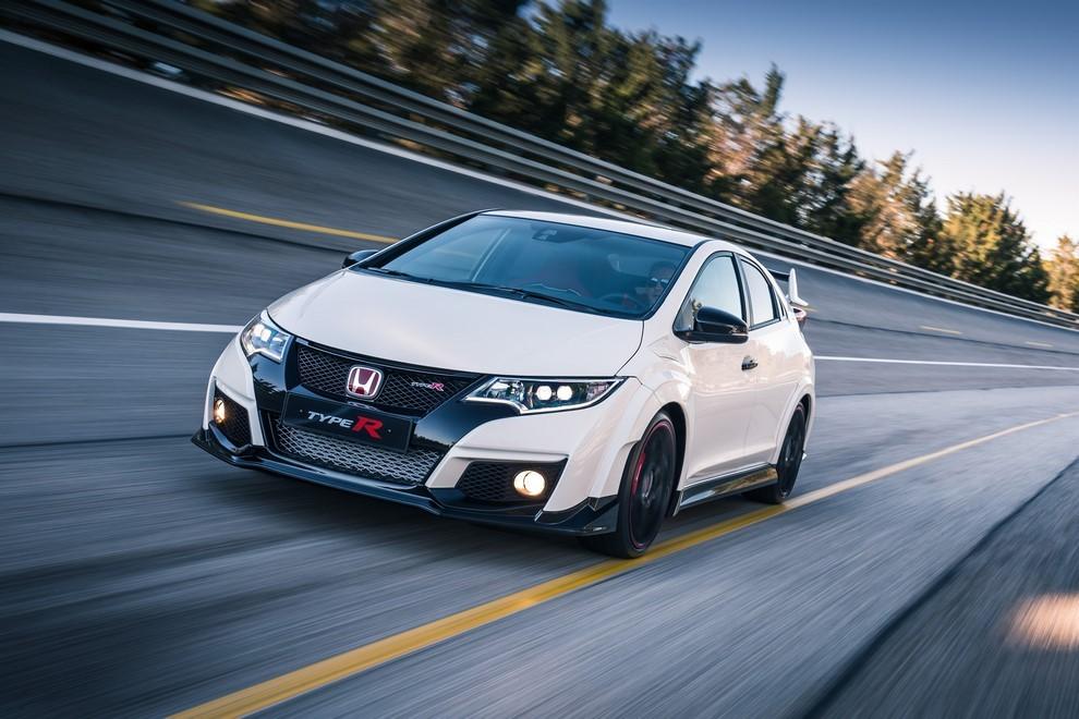 Honda Civic Type R prova su pista e prestazioni - Foto 25 di 26