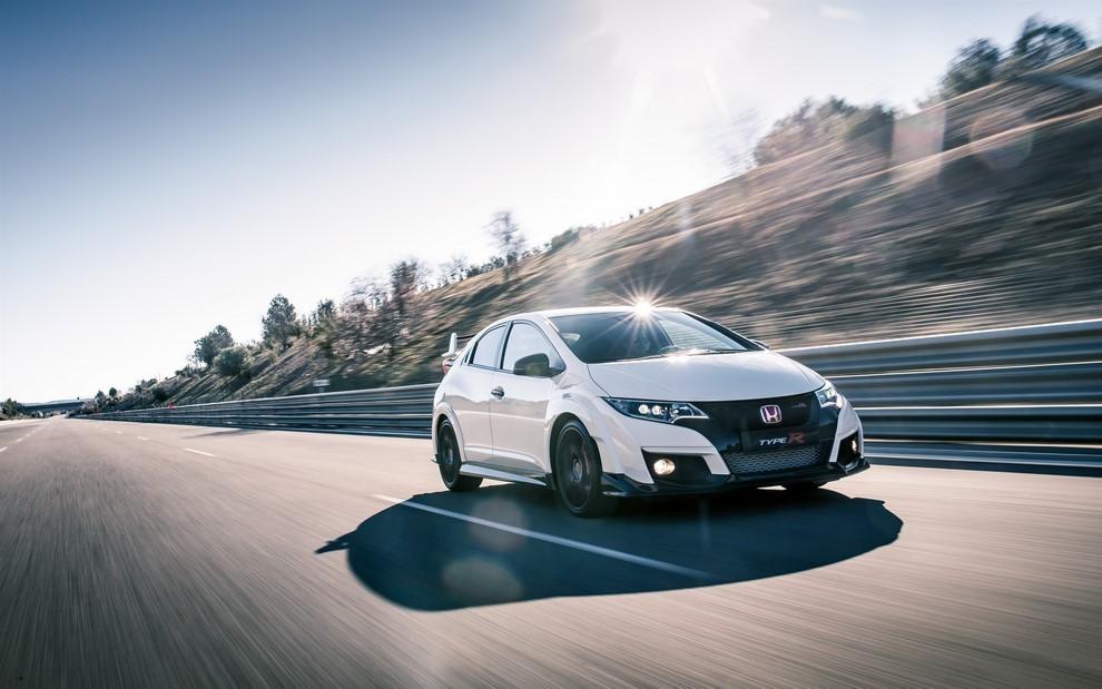 Honda Civic Type R prova su pista e prestazioni - Foto 2 di 26