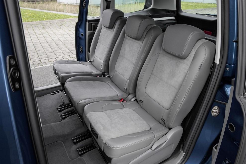 Volkswagen Sharan, la nuova generazione da 34.100 euro - Foto 10 di 13