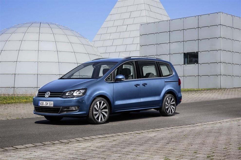 Volkswagen Sharan, la nuova generazione da 34.100 euro - Foto 12 di 13