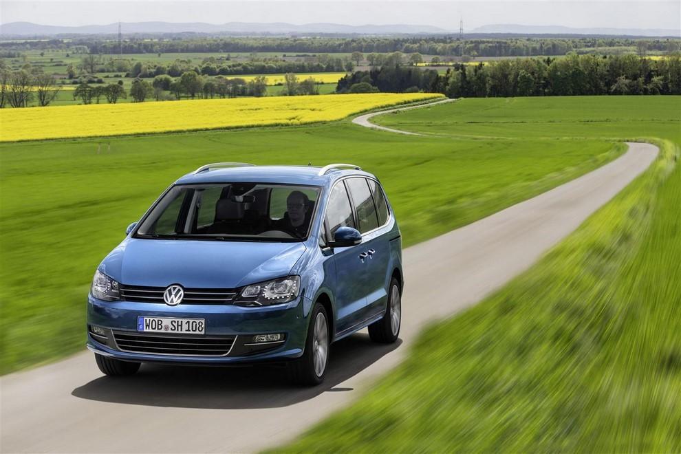 Volkswagen Sharan, la nuova generazione da 34.100 euro - Foto 1 di 13
