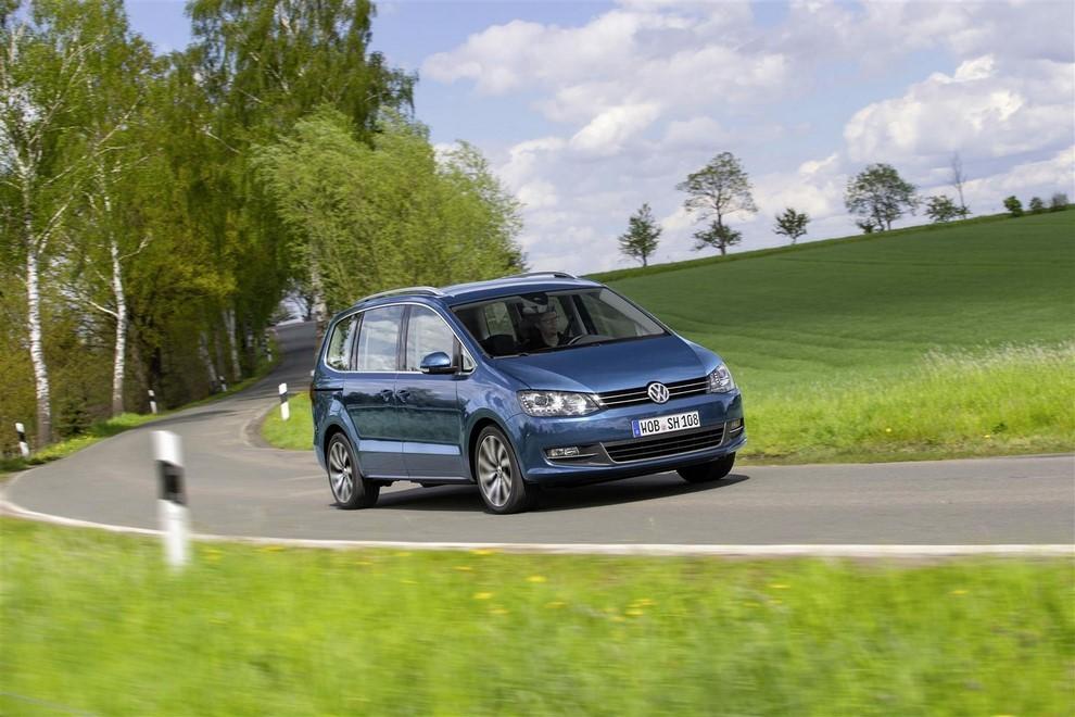 Volkswagen Sharan, la nuova generazione da 34.100 euro - Foto 3 di 13