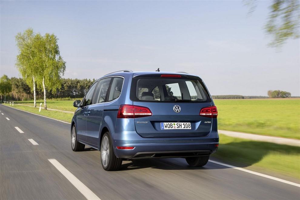 Volkswagen Sharan, la nuova generazione da 34.100 euro - Foto 4 di 13