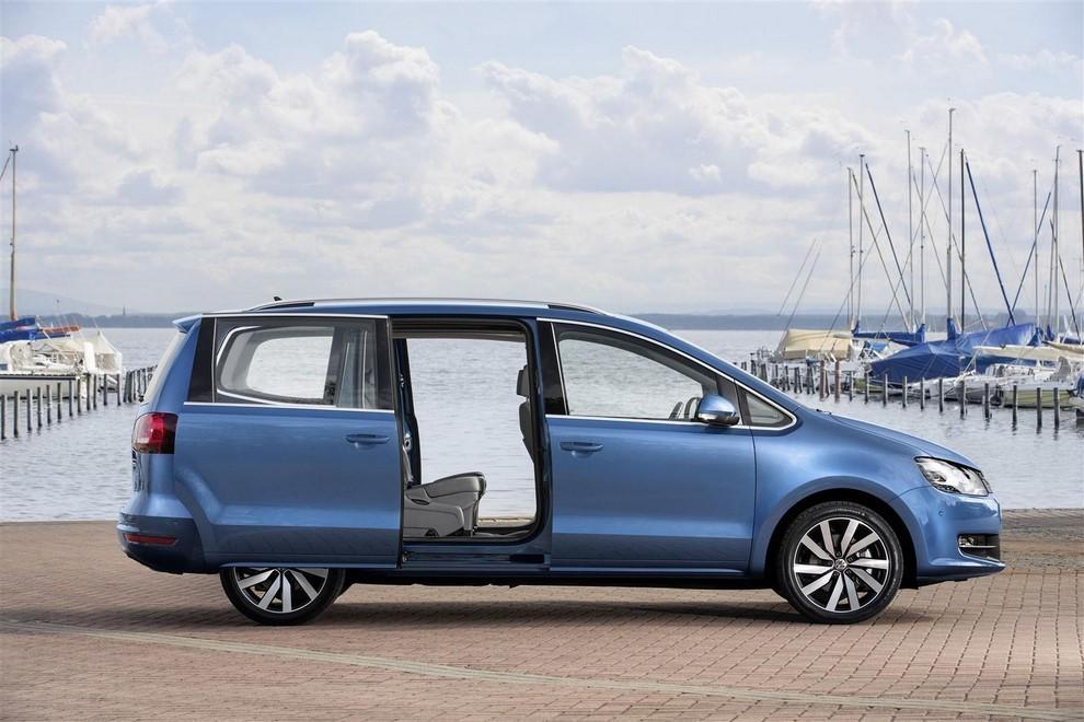 Volkswagen Sharan, la nuova generazione da 34.100 euro - Foto 6 di 13
