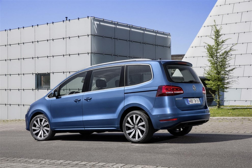 Volkswagen Sharan, la nuova generazione da 34.100 euro - Foto 7 di 13