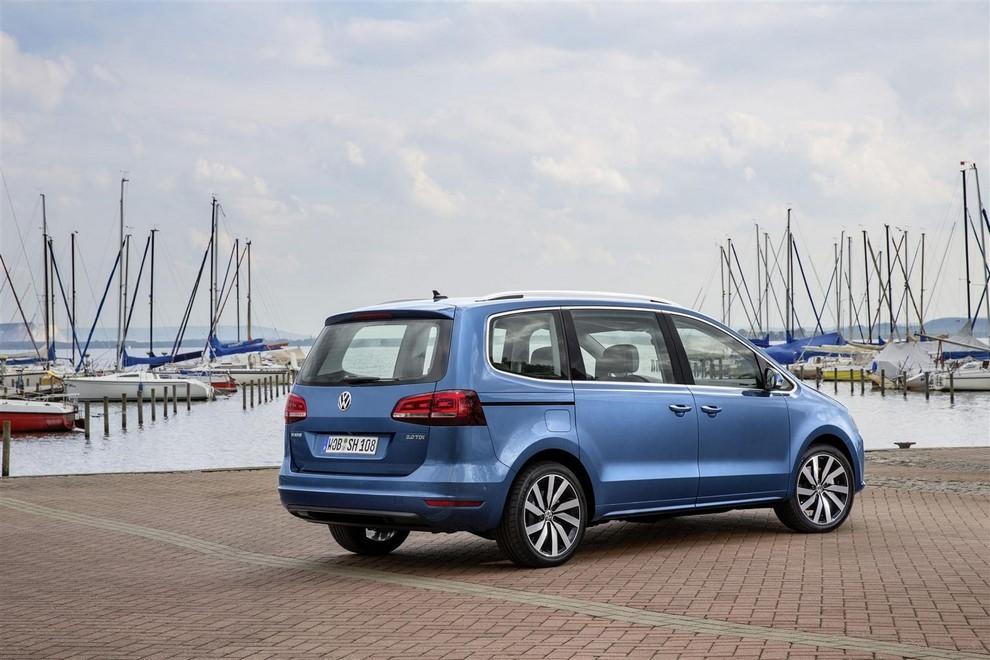 Volkswagen Sharan, la nuova generazione da 34.100 euro - Foto 8 di 13
