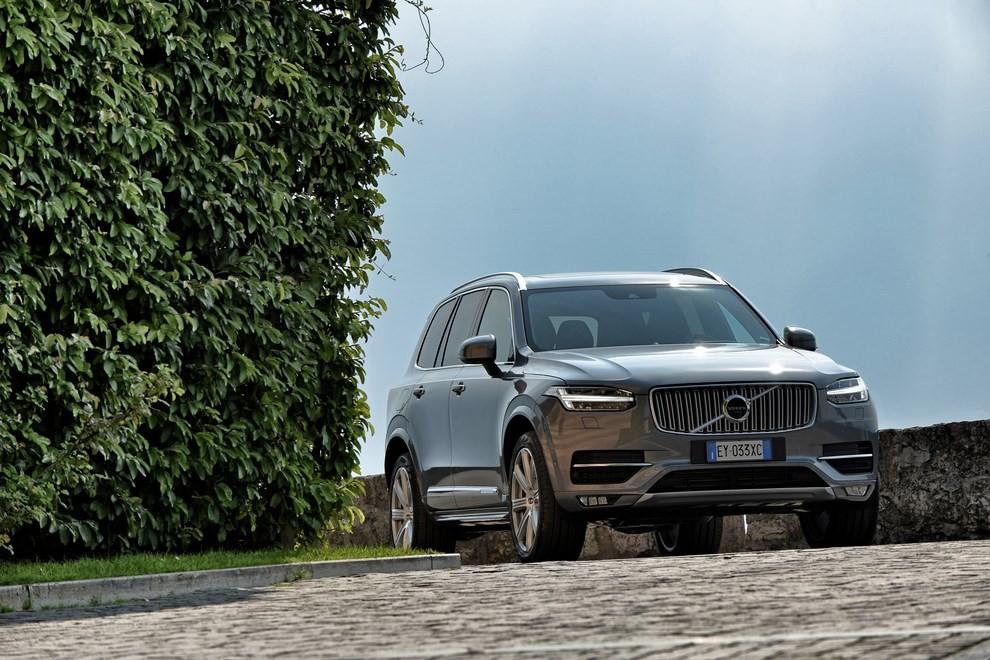 Volvo XC90: prezzi, versioni e motorizzazioni - Foto 13 di 30