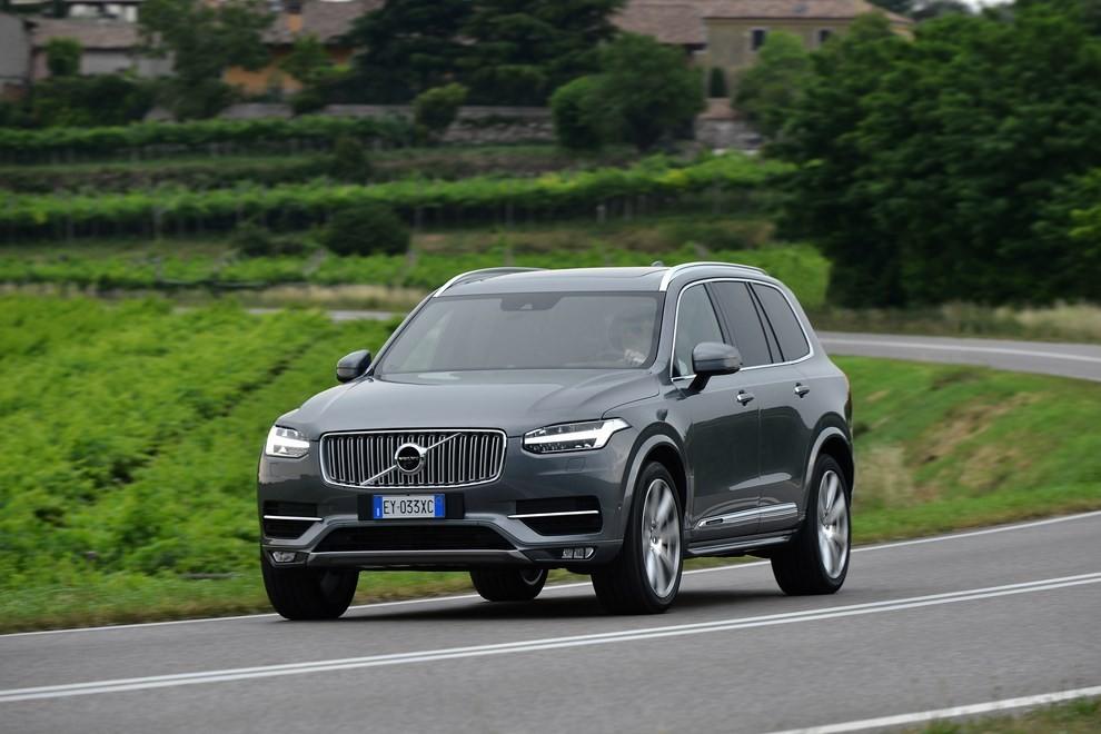Volvo XC90: prezzi, versioni e motorizzazioni - Foto 19 di 30