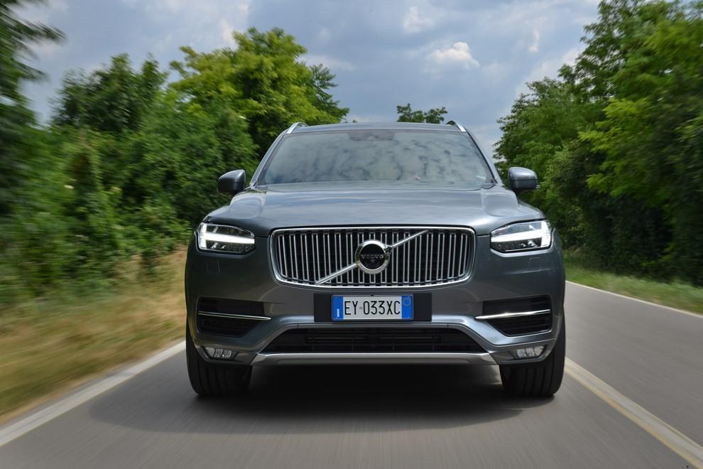 Volvo XC90: prezzi, versioni e motorizzazioni - Foto 21 di 30