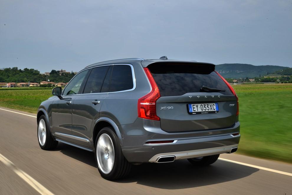 Volvo XC90: prezzi, versioni e motorizzazioni - Foto 22 di 30