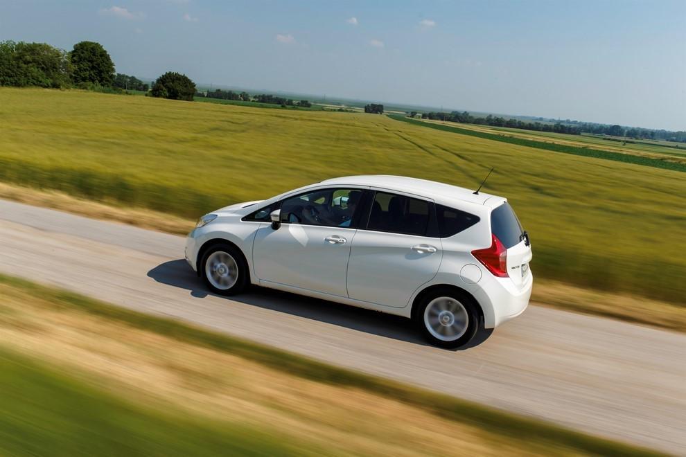 Nissan Note listino prezzi con motori Euro6 - Foto 11 di 18