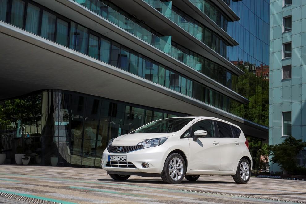 Nissan Note listino prezzi con motori Euro6 - Foto 12 di 18