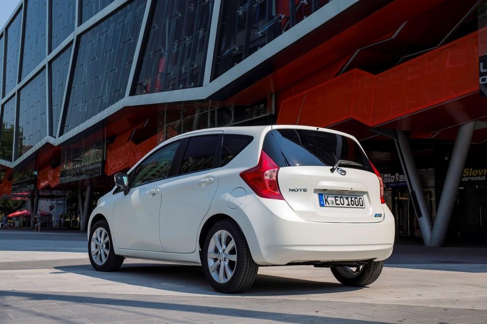 Nissan Note listino prezzi con motori Euro6 - Foto 14 di 18