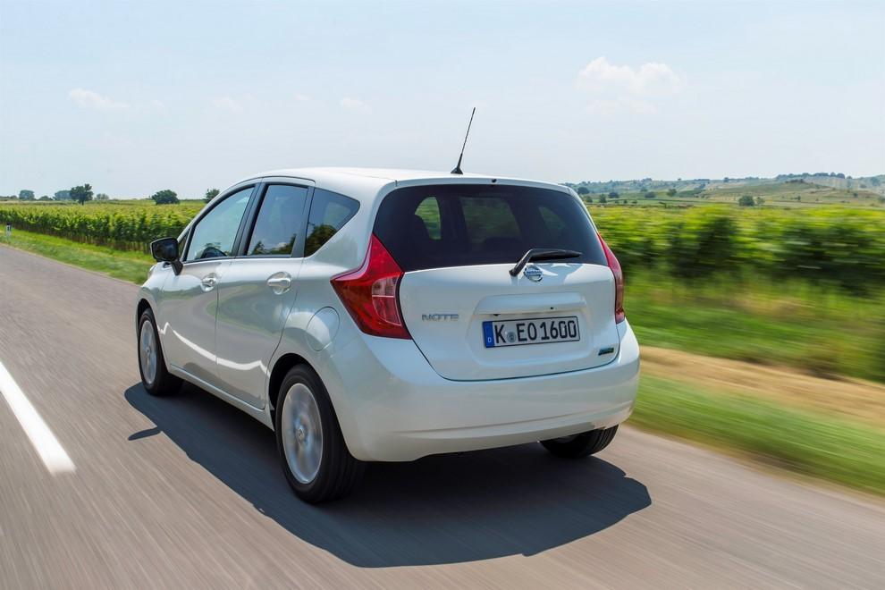 Nissan Note listino prezzi con motori Euro6 - Foto 5 di 18