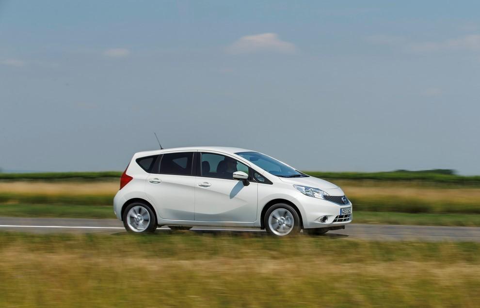 Nissan Note listino prezzi con motori Euro6 - Foto 6 di 18