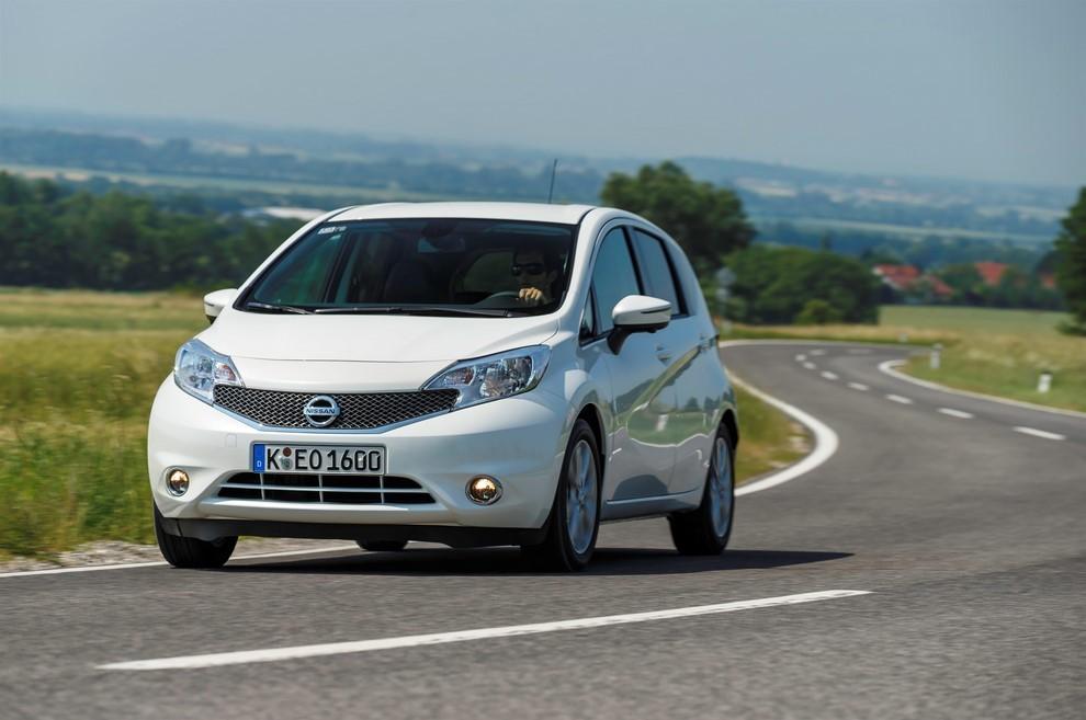 Nissan Note listino prezzi con motori Euro6 - Foto 8 di 18