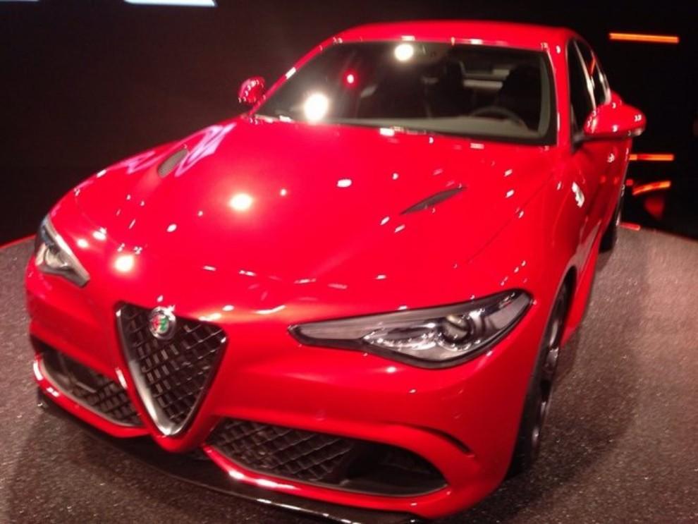 Alfa Romeo Giulia, il rombo del 6 cilindri - Foto 12 di 25