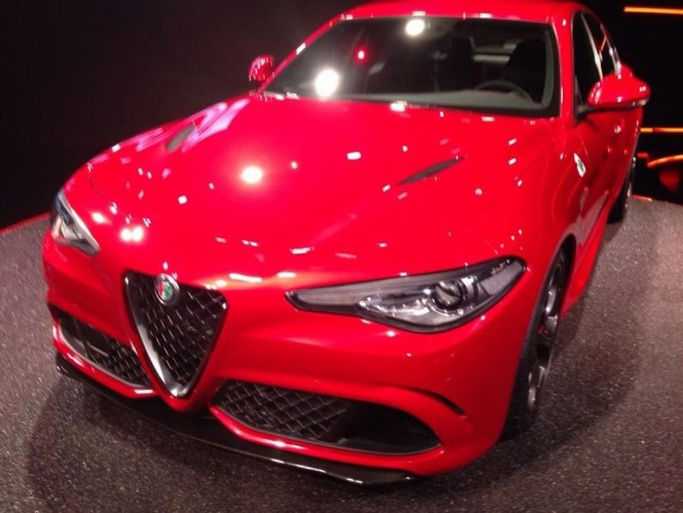 Alfa Romeo Giulia, il rombo del 6 cilindri - Foto 18 di 25