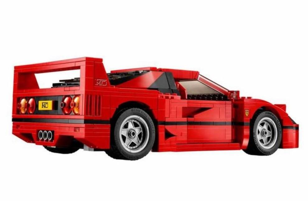 Ferrari F40 Lego - Foto 7 di 13