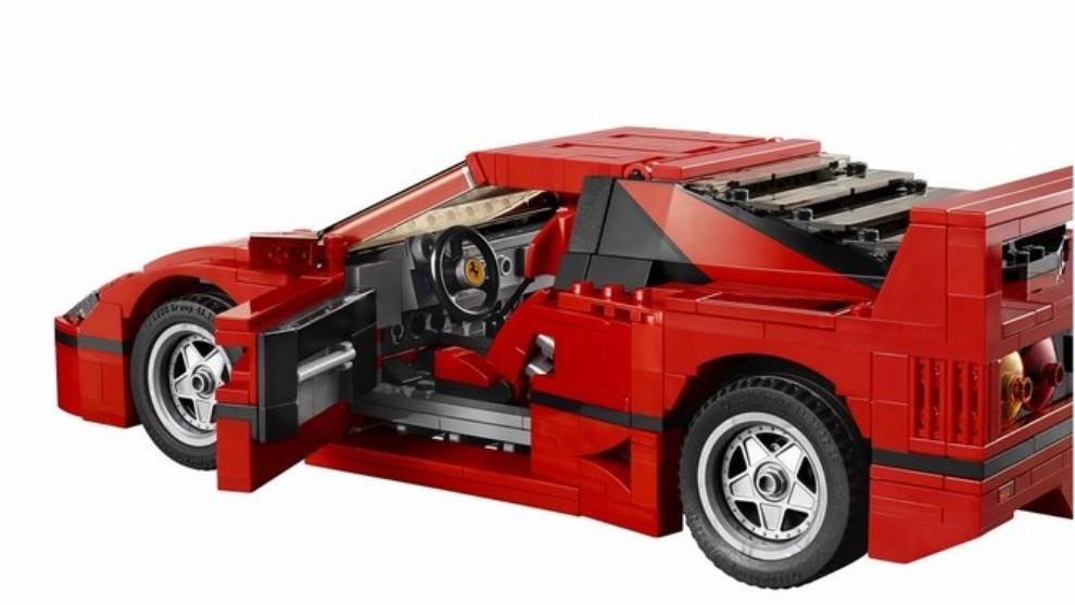 Ferrari F40 Lego - Foto 4 di 13
