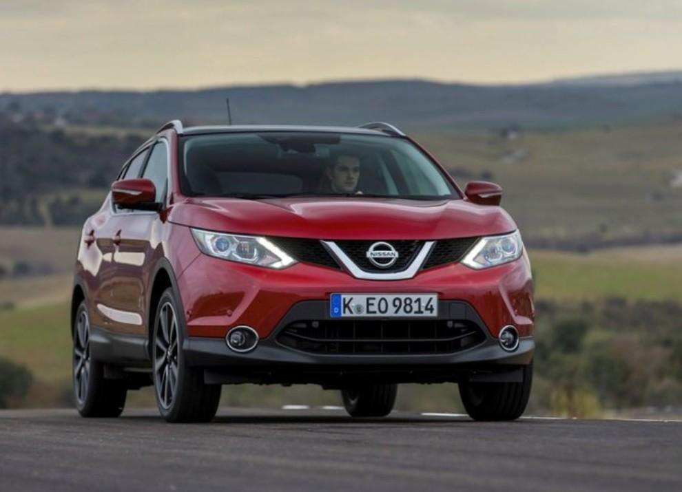 Nissan Qashqai offerta con 10 anni di garanzia per celebrare i 10 anni di vita del crossover - Foto 7 di 16